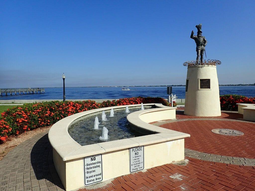 Ponce De Leon harborwalk