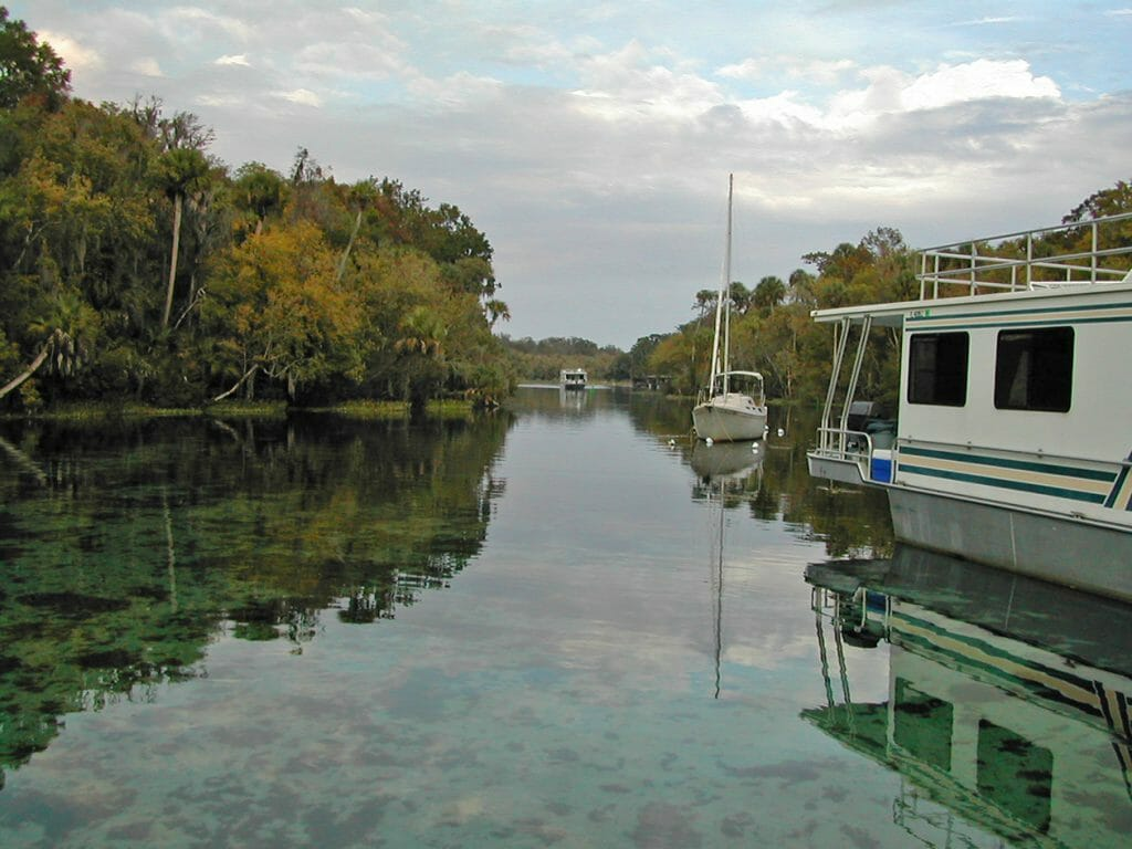 Houseboat at Silver Glen Springs