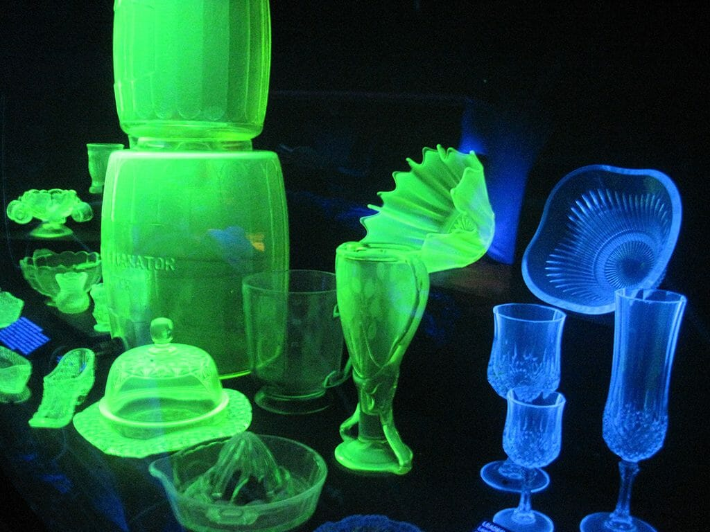 UV lit glass