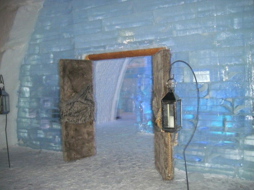 Entering Hotel de Glace