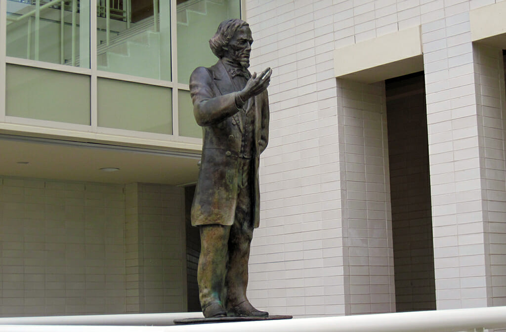 Statue of Jefferson Davis at Beauvoir