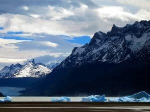 Lago-Grey-Chile-Icebergs