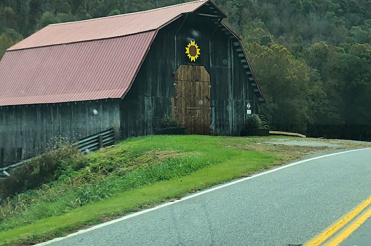 Barn quilt along the Bluegrass Trail