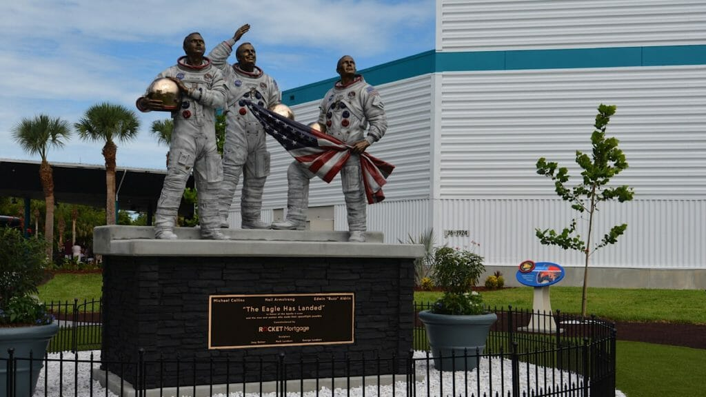 Bronze statue of the Apollo 11 astronauts