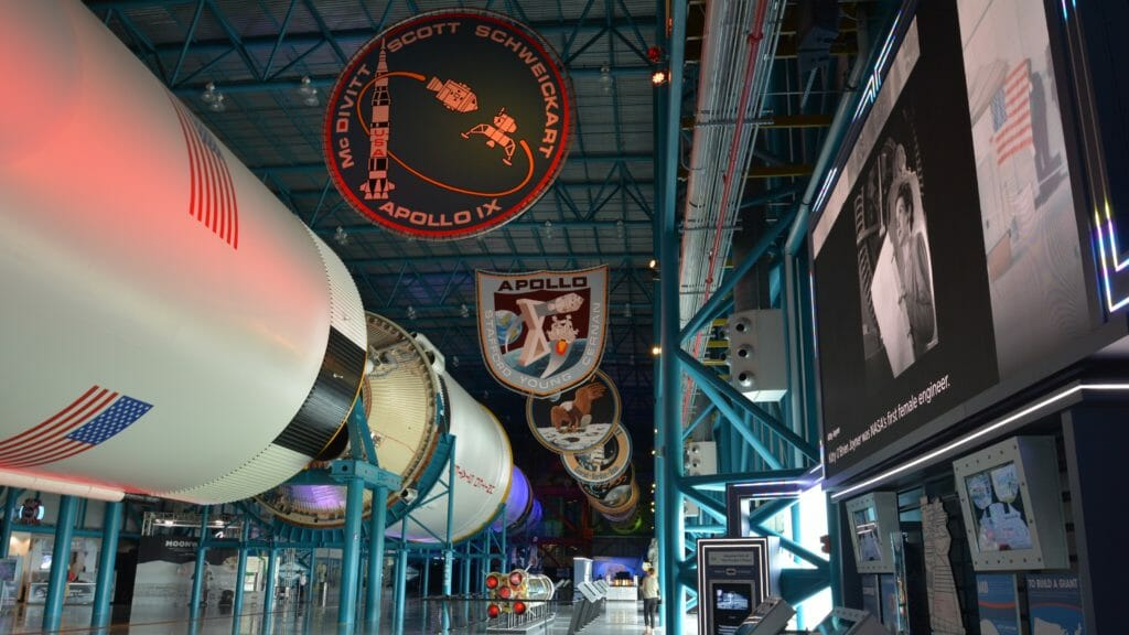 Apollo Saturn V Center